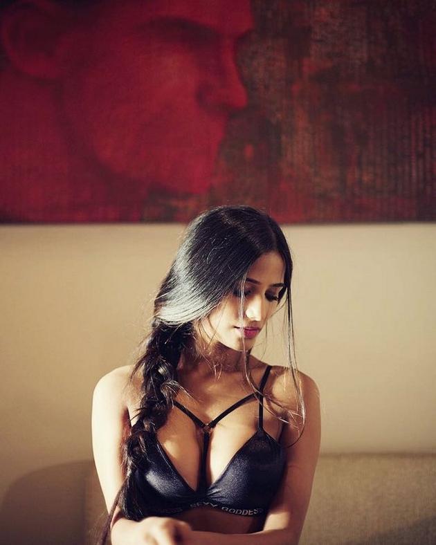 Poonam Pandey Bikini Photo Shoot