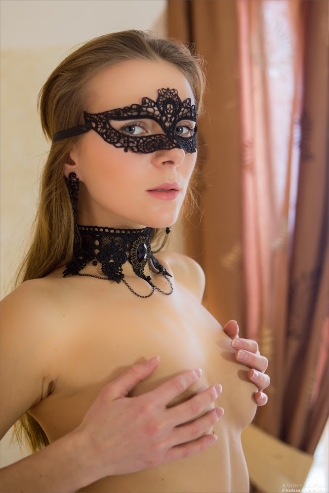 [Karissa-Diamond.Com] Karissa Diamond - In Mask