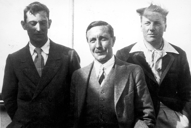 Plucky British mountaineer George Mallory - his saga of ... George Mallory And Andrew Irvine