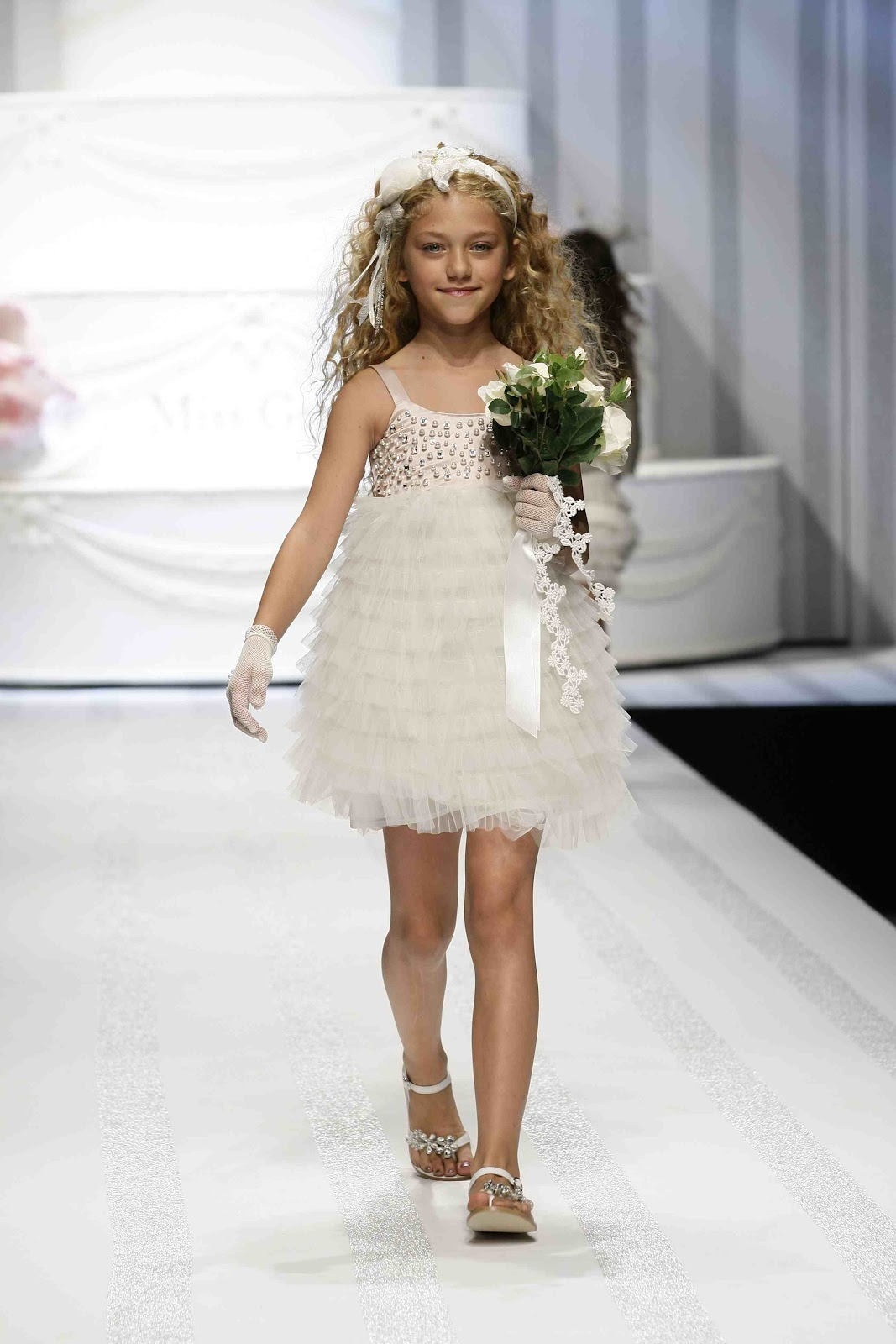 Emoo Fashion Childrens Fashion Dresses 2012