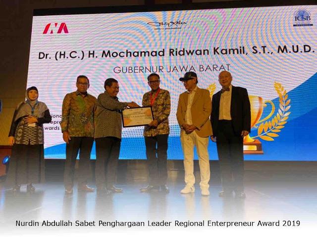 Nurdin Abdullah Sabet Penghargaan Leader Regional Enterpreneur Award 2019