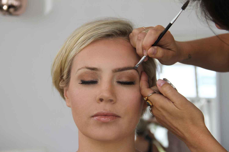 jenis macam tipe salon kecantikan beauty blogger vlogger indonesia review kapster manfaat kegunaan hairstylist hairdresser makeup artist mua perawatan treatment layanan waxing nail art creambath potong rambut