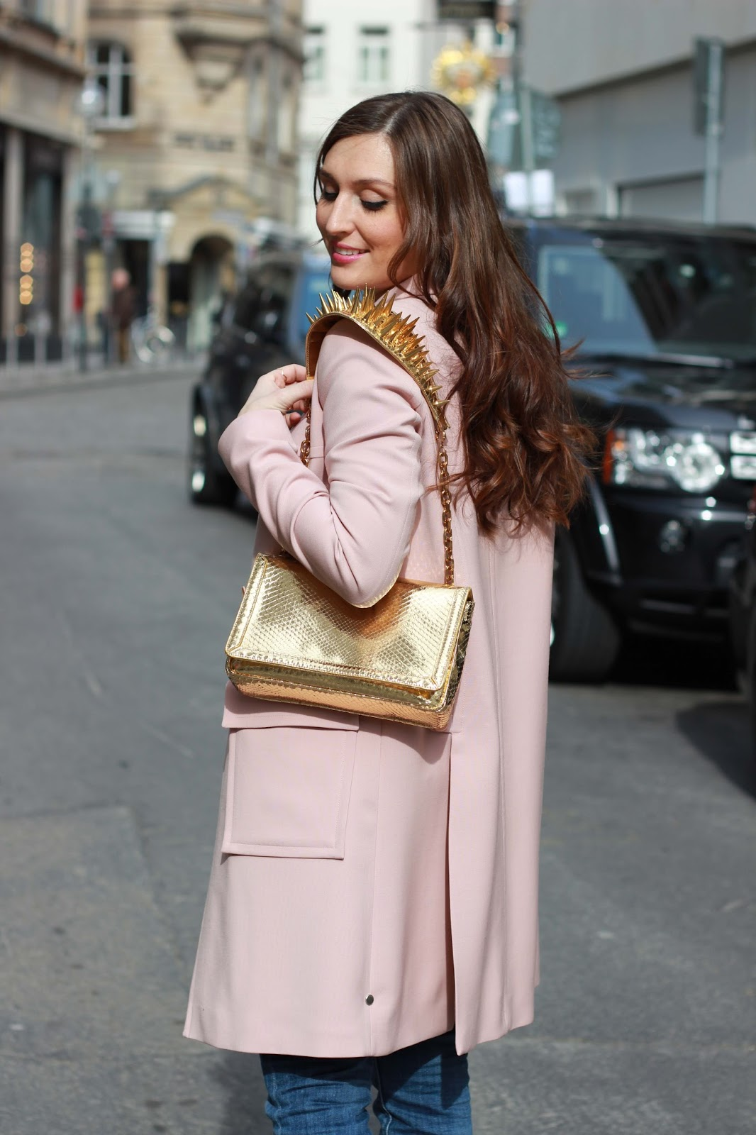 YSL Jacke- Streetstyleinspiration - Fashionstylebyjohanna - Modeblogger - Fashionblogger aus Deutschland - Deutsche Fashionblogger - Lou