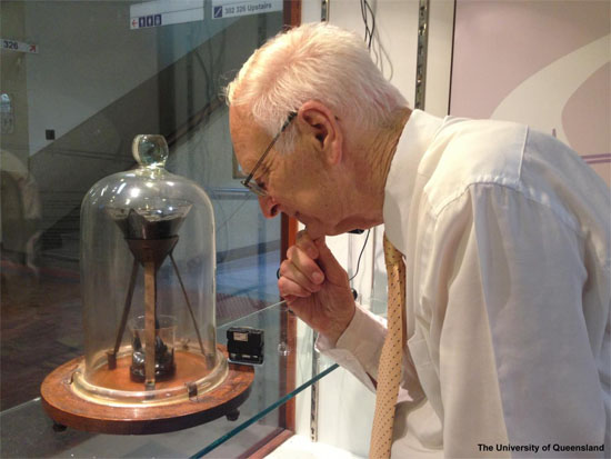 Thomas Parnell longest experiment of the world Queensland University