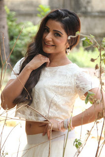 Actress Aqsa Bhatt Stills At Oru Melliya Kodu Movie Audio Launch  0013.jpg