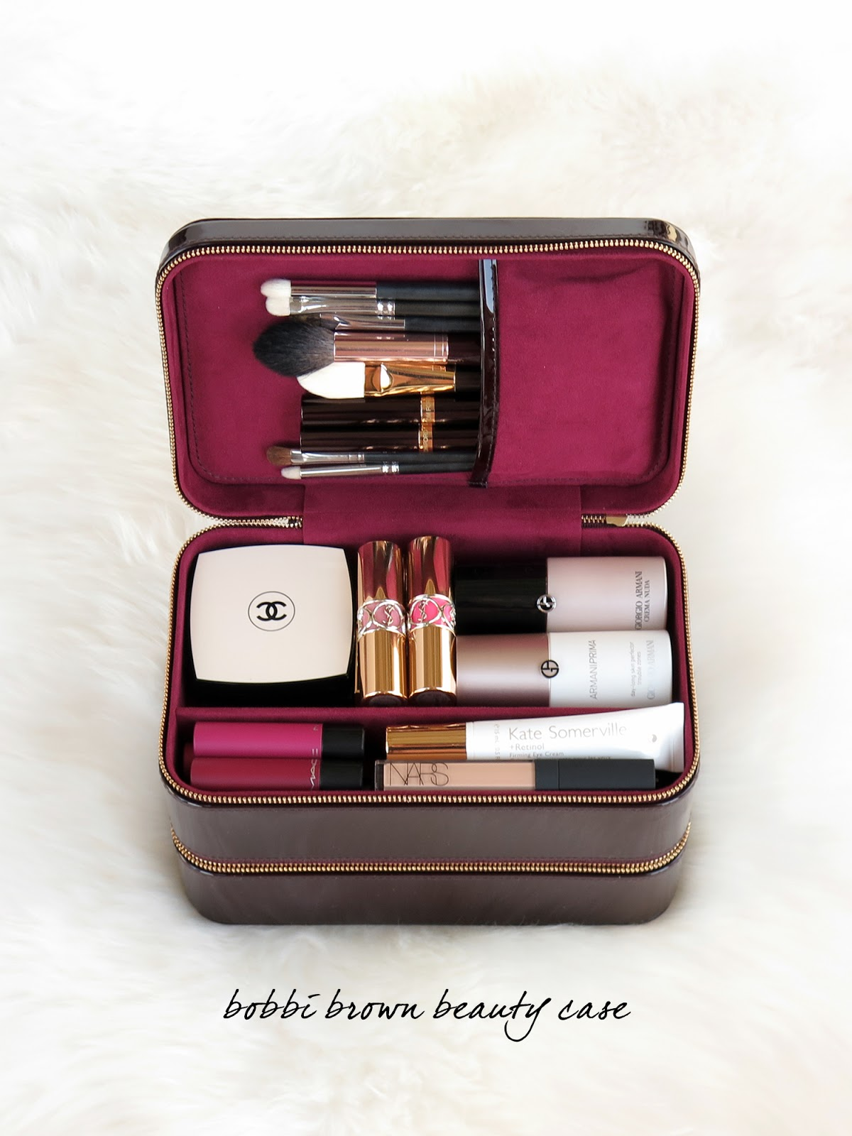 The Beauty Look Book - Bobbi Brown Beauty Travel Case