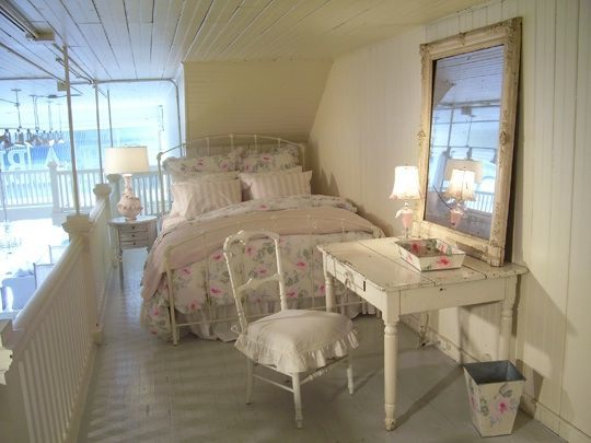 shabby chic home decor | dream house experience - Letto Country Chic