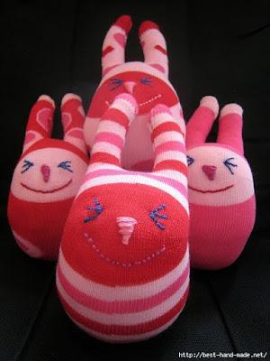 змягкая игрушка из носка для начинающих, мягкая игрушка из носка выкройки и схемы, мягкая игрушка из носка своими руками, мягкая игрушка из носка кошка, мягкая игрушка из носка своими руками заяц, мягкая игрушка из носка фото, айчик, из носков, из трикотажа, из текстиля, зайчик из носков, для малышей, игрушки мягкие, зверушки, для детей, пасхальные игрушки, пасхальный заяц, шитье, http://handmade.parafraz.space/,Зайчик из носка (МК) http://prazdnichnymir.ru/