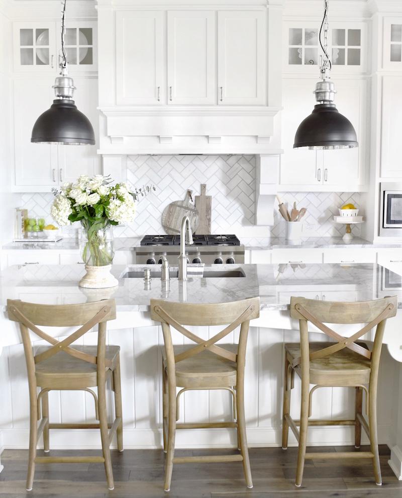 cocina clásica blanca