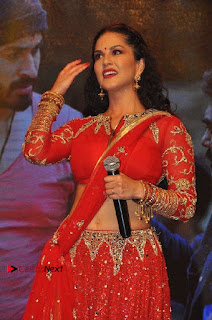 Bollywood Actress Model Sunny Leone Dance Performance in Red Half Saree at Rogue Audio Launch 13 March 2017  0073.jpg