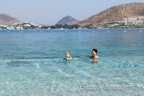 Akyarlar'ın billur sularında minik oğlumla yüzerken, Xanadu otel Bodrum