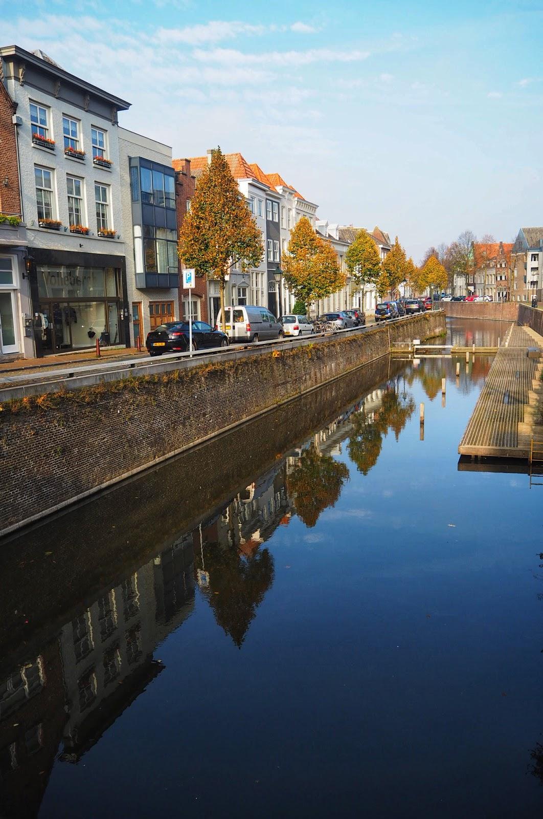 Autumn Canal reflections in Den Bosch