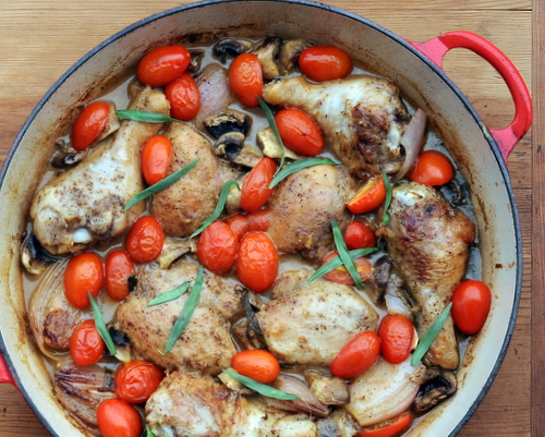 One-Skillet Braised Chicken with Shallots, another Quick Supper ♥ KitchenParade.com, a one-skillet supper. High Protein. Weight Watchers Friendly.