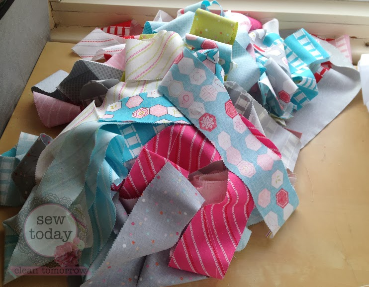 Super Easy Jelly Roll Quilt A K A The 1600 Quilt Sew