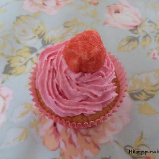 https://danslacuisinedhilary.blogspot.com/2012/07/cupcake-la-fraise-tagada-strawberry.html