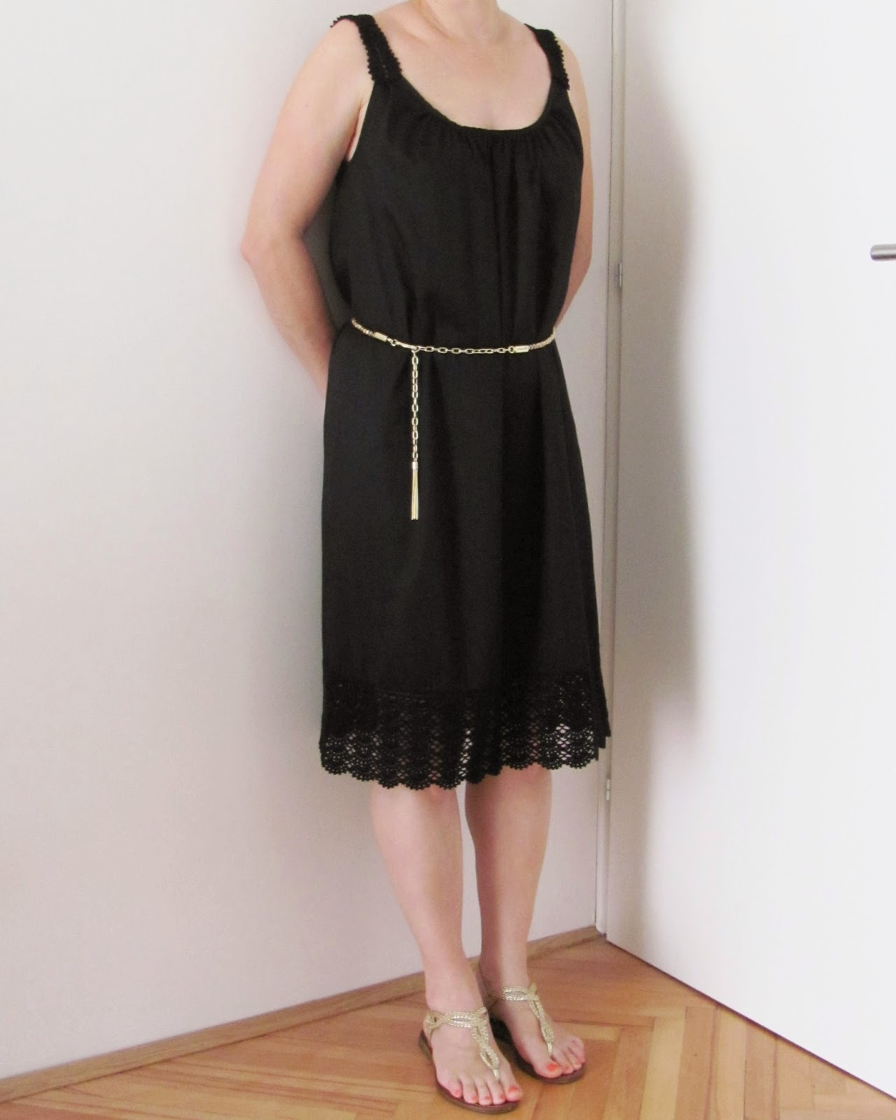 http://ladylinaland.blogspot.com/2013/09/little-black-dress.html