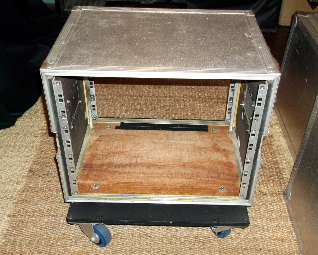 Sold 8u Amp Rack Flight Case 163 70 One One Two