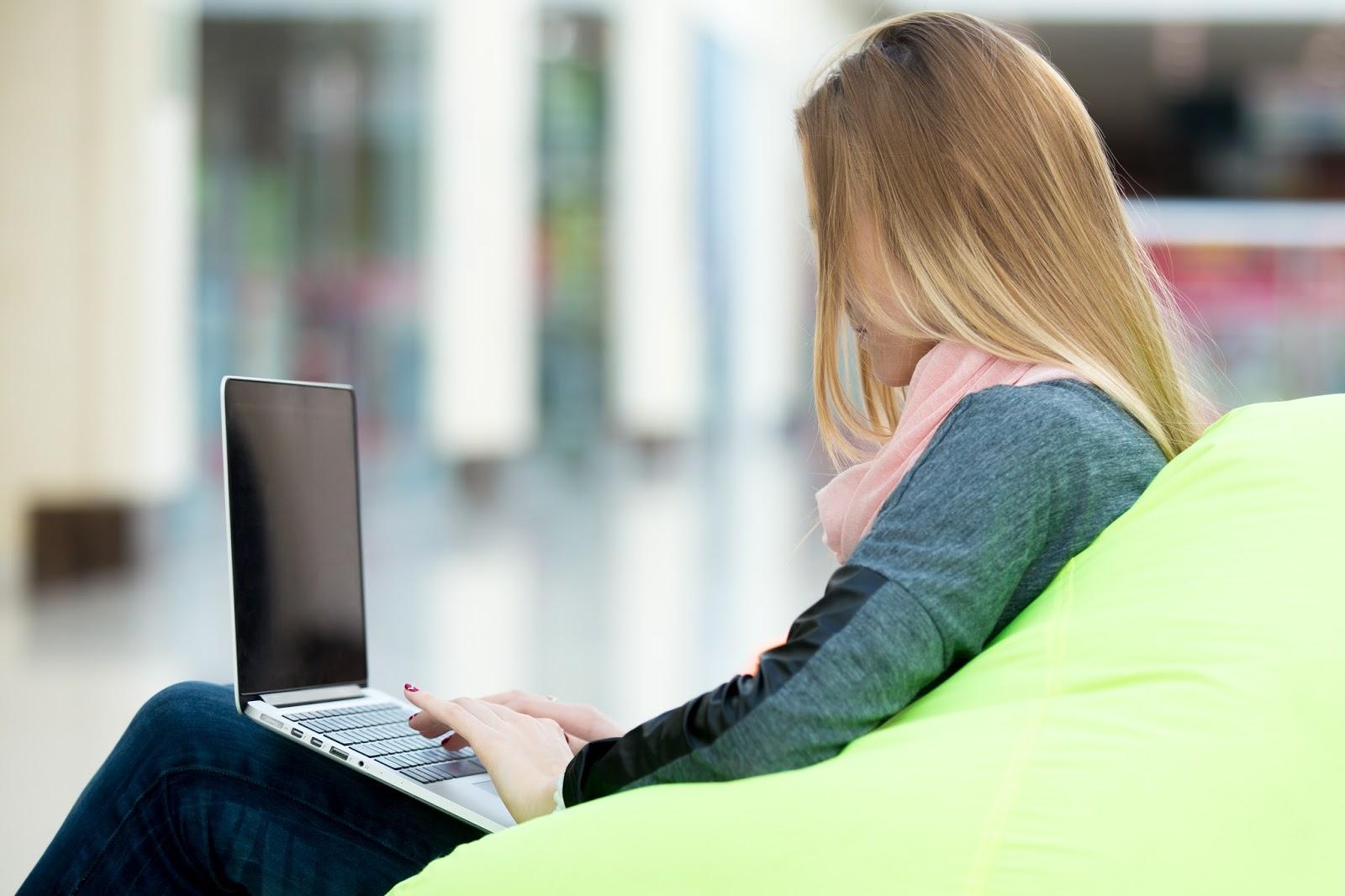 Cara Merawat Laptop Agar Tetap Awet