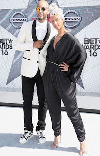 Beautiful Alicia Keys goes without make for BET awards