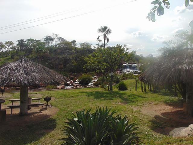 Área de camping e descanso na Praia da Lajes em Cristalina Goiás