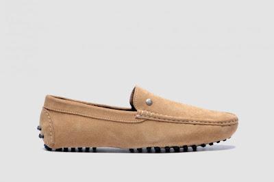 Tips Merawat Sepatu Suede Saat Musim Hujan - IDEGAYA