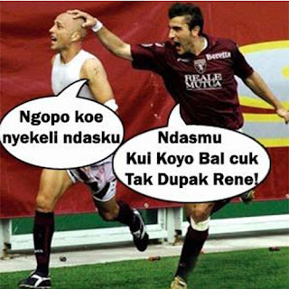 Gambar lucu kocak sepak bola