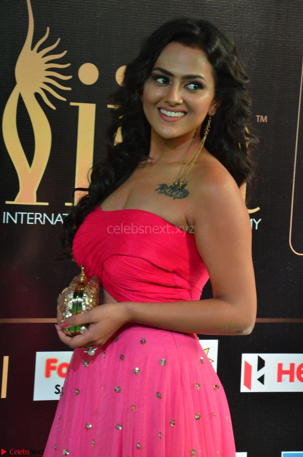 Sraddha in Sleeveless Off Shoulder Pink Dress at IIFA Utsavam Awards March 2017 CelebsNext Exclusive
