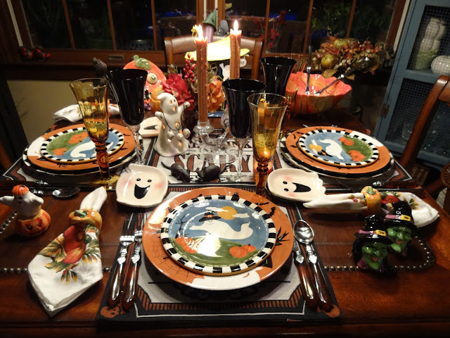 The plate layers consists of Mac Kenzie Childs plate charger then a Gales ware dinner plate designed by Laurie Gates and a ghost and pumpkin ceramic salad ... & Christine\u0027s Home and Travel Adventures: Happy Halloween 2013!!