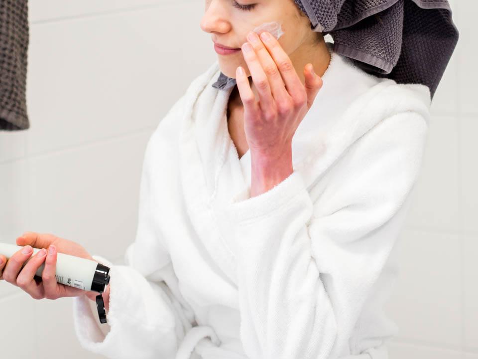 skincare-routine-löwengrip-cocopanda-ihonhoitorutiini-kauneudenhoito-kasvonaamio-facial-mask