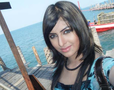 Download and Watch wallpapers of Bangladeshi model and actress anika Kabir Shokh