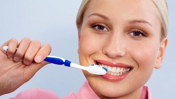 Informasi yang akan dibagi kali ini yakni membahas bagaimana pentingnya menyikat gigi ut Pentingkah Menyikat Gigi Setelah Makan?