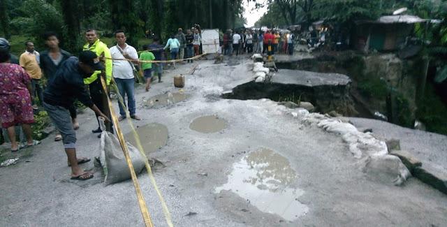 Diterjang Banjir, Ruas Jalan Siantar dan Tanah Jawa Putus