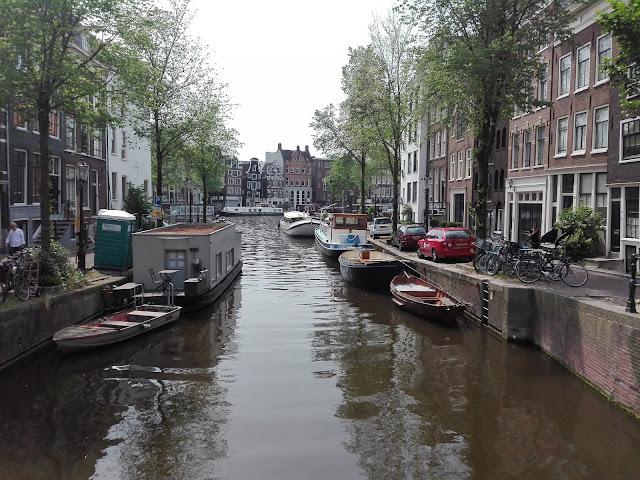 Paseando por las calles de Ámsterdam (@mibaulviajero)