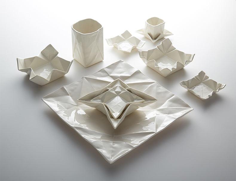 Platos y vajilla origami de cerámica de Moij Design
