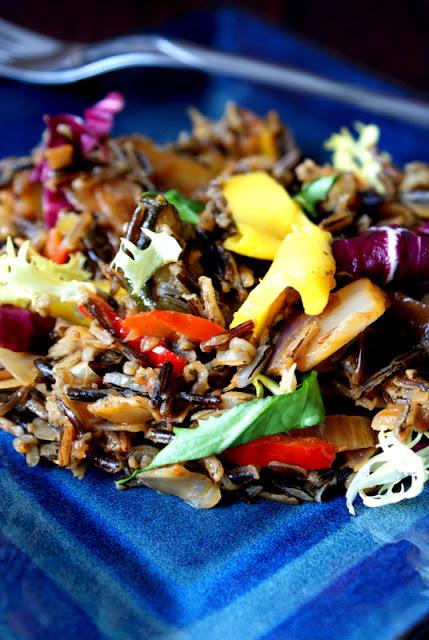z kuchni do kuchni,katarzyna franiszyn luciano,dziki ryż,jak gotować dziki ryż,potrawy z dzikim ryżem,mango,właściwości mango,potrawy z patelni,warzywa z patelni,zdrowy obiad,obiad dla faceta,