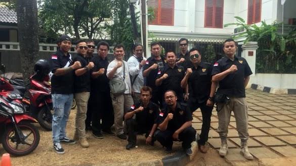 Relawan Anak Bangsa Tiba di Kertanegara, Siap Kawal Prabowo ke KPU