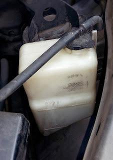 Periksa air radiator