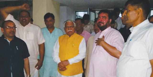 Chief Minister Manohar Lal meets BJP leaders Yashvir Dagar