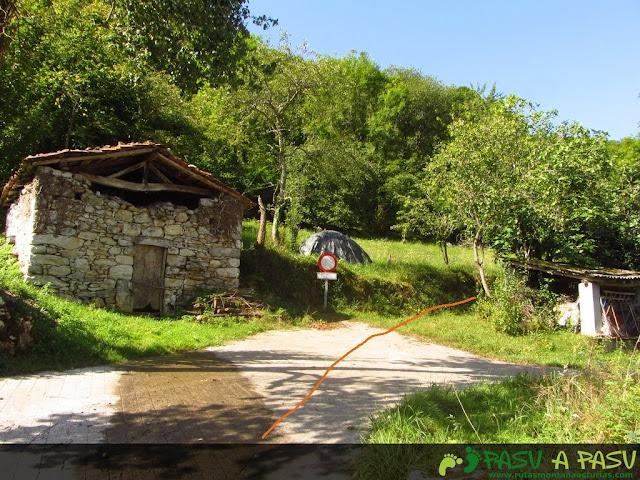 Inicio del sendero hacia el Monte Pindo