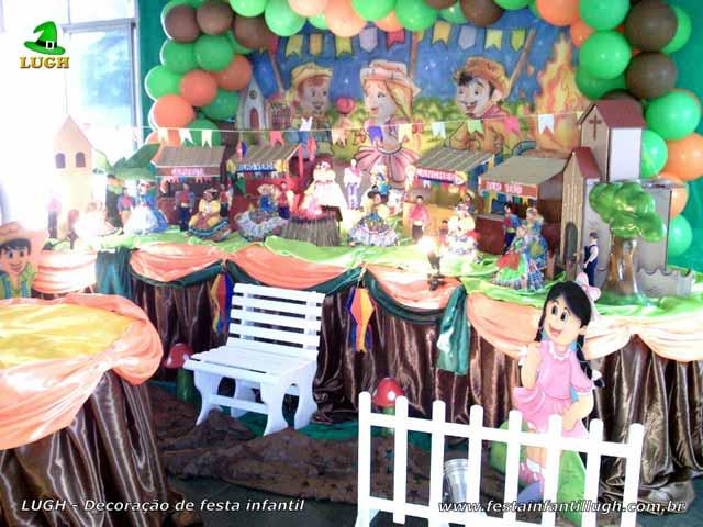 Decoração mesa de aniversário tradicional luxo de tecido tema Festa Junina feminina - Aniversário infantil