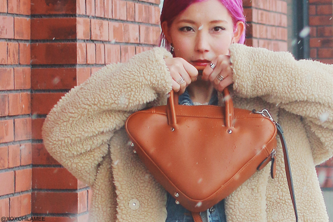 Japansese Fashion Blogger,MizuhoK20180321OOTD,ZARA-white knited sweater,SheIn-denim jacket,jeans,H&M-bear coat,earrings,,rag&bone-ivory boots,rakuten-triangle handbag