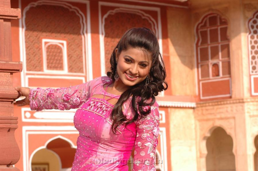 Sneha New Spicy Pics From Murattu Kalai Movie