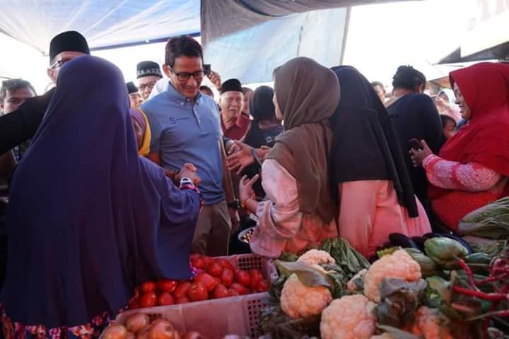 Kunjungi Pasar Cik Puan, Pedagang Keluhkan Hal Miris kepada Sandi