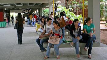 Estudios universitarios ante la oportunidad de emigrar de Venezuela