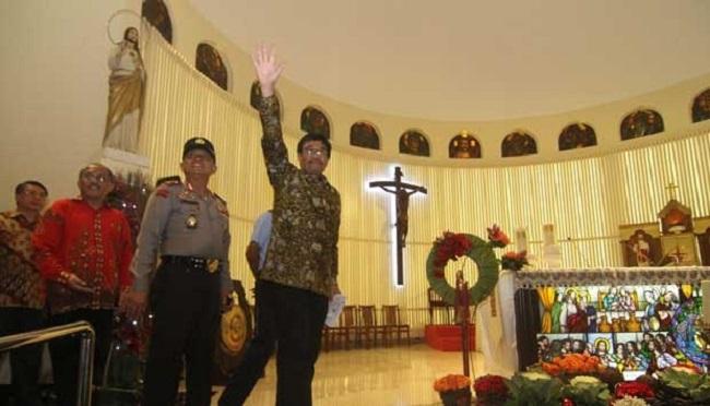 Djarot Saiful Hidayat tidak akan memberlakukan perda syariah karena menurutnya bertentangan dengan Pancasila.