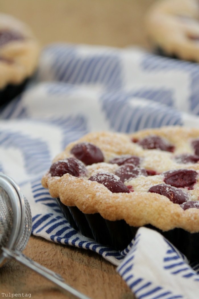 schnelle biskuit muffins rezepte suchen. Black Bedroom Furniture Sets. Home Design Ideas