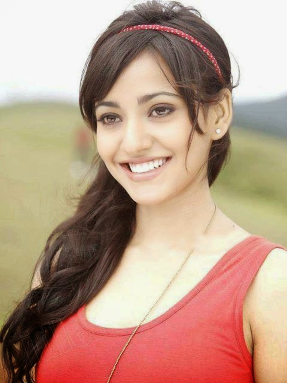 Actress Neha Sharma Hot Photo Gallery - Cap-4931