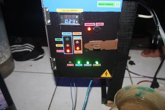 Gambar 4 15 Posisi otomatis - Indikator Pompa 1, Pompa 2, dan Valve Pada Panel