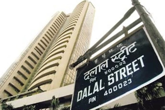 D-Street Buzz: Nifty energy outperforms as RIL jumps 2%; HCL Tech rallies, ICICI Bank at new record high
