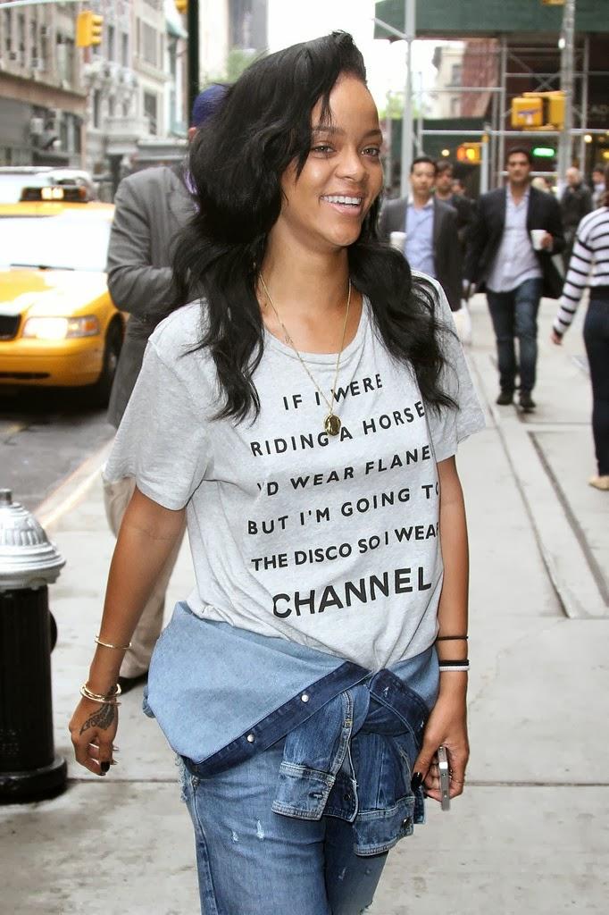 Rihanna Without Makeup Latest Images 2013 14 World